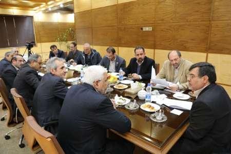 استاندار:موانع اجرای طرح های سازمان انرژی اتمی در قزوین برداشته می شود