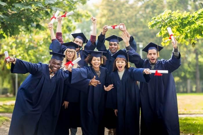 دلیل افزایش ظرفیت تحصیلات تکمیلی چین و آمریکا  چیست؟